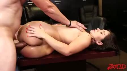 Big cumshot after good handjob with her tiny hands
