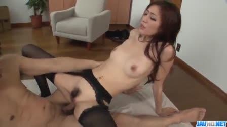 Bootylicious milf gets her ass stuffed
