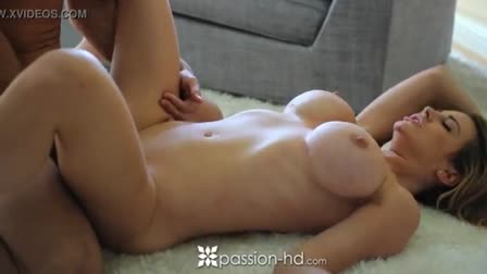 Lesbea Teen spreads and tongues her cute girlfriend's ass in