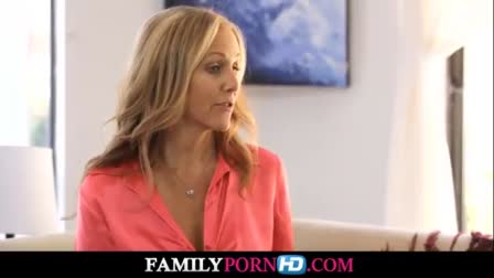 Mommy Kendra James and Kimmy Granger Almost Caught